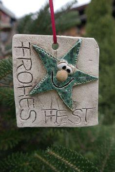 Ceramic Christmas Decorations, Christmas Ornament Crafts, Holiday Decor, Clay Crafts, Clay Art, Handmade Jewelry, Presents, Artwork, Hacks Videos