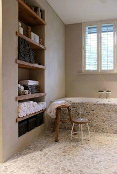 Zen Bathroom, Bathroom Shelves, Bathroom Flooring, Small Bathroom, Bathroom Storage, Tile Flooring, Towel Storage, Bathroom Ideas, Bath Shelf