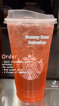 Starbucks Secret Menu Drinks, Starbucks Coffee, Healthy Starbucks Drinks, Yummy Drinks, Smoothie Drinks, Smoothies, Coffee Recipes, Drink Recipes, Starbucks Refreshers