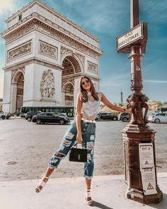 wanderlust paris If the Tour Eiffel is the sign of Paris, the Cathdrale de Notre-Dame de Paris is its heart. Sitting on the banks of the Seine, this marvelous architectural work of art is a certain quot;must-seequot; Paris Photography, Photography Poses, Travel Photography, Paris Pictures, Paris Photos, Italy Pictures, Travel Pictures Poses, Travel Photos, Poses For Pictures