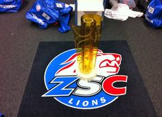CONGRATS ZSC LIONS ON WINNING THE SWISS CHAMPIONSHIP!! Lions, Sports, Ice Hockey, Cooking Recipes, Hs Sports, Lion, Excercise, Sport, Exercise