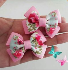 In double face satin Easy Hair Bows, Making Hair Bows, Girl Hair Bows, Homemade Hair Bows, Ribbon Hair Bows, Diy Ribbon, Hair Bow Tutorial, Creation Couture, Fabric Bows