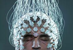 Læn dig tilbage, luk øjnene og gå online. Forskerne arbejder nu på højtryk med at skabe hundredtusinder af forbindelser mellem hjernen og computeren, så du kan surfe på nettet uden at røre en finger.