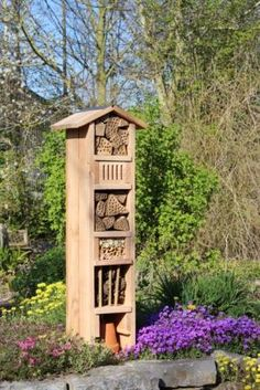 What You Can Do To Improve Your Landscaping using Garden Arbor Everyone that owns a home wants to take pride in it. Unique Gardens, Beautiful Gardens, Wooden Arbor, Bug Hotel, Garden Insects, Professional Landscaping, Path Ideas, Landscaping Tips, Garden Paths