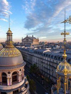 Histoire du magasin Printemps Haussmann - Come to Paris Haussmann, France, Paris Skyline, Taj Mahal, Immense, Louvre, Plus Belle, City, Building