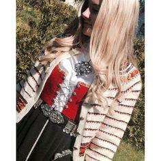 Vestfoldkofte til årets vakreste konfirmant❤️ #vestfoldkofte #bunad #konfirmant #knitting #knit #cardigan #rauma Norway, Costumes, Traditional, Knitting, Travel, Accessories, Outfits, Shoes, Viajes