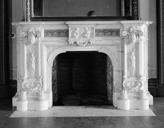 Lockwood-Mathews Mansion, Norwalk Connecticut | GROUND FLOOR, SOUTHEAST ROOM, MANTEL