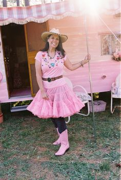 Sister on the fly, -Elaine--and her cute pink trailer