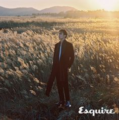 Lee Dong Wook Pairs Perfectly with Esquire Korea for Winter Beach Pictorial Sung Lee, Jo In Sung, Korean Star, Korean Men, Asian Actors, Korean Actors, Lee Dong Wook Photoshoot, Lee Dong Wok, Korea Winter