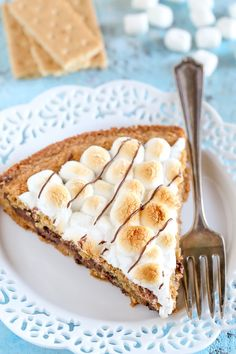 S'mores Cookie Cake - Handle the Heat Graham Cracker Cookies, Graham Cracker Crumbs, Giant Cookie Recipes, Cake Recipes, Caking It Up, Eat Dessert First, Chocolate Desserts, Cake Cookies, Cookie Dough