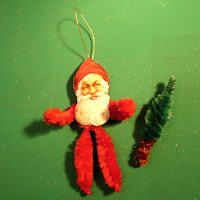 How to make vintage-inspired chenille Christmas ornaments.