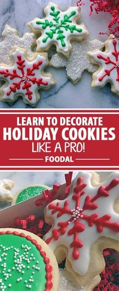Looking for a way to spruce up your holiday cookie decorating this year? You need Foodal?s ultimate guide to mastering royal icing! Use our easy recipe and try our different techniques for decoration styles. The desserts at your next holiday gathering wil Valentines Day Cookies, Christmas Sugar Cookies, Christmas Sweets, Christmas Cooking, Christmas Goodies, Best Holiday Cookies, Simple Christmas, Holiday Treats, Holiday Recipes