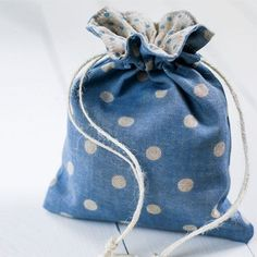 Sew a pretty, lined drawstring gift bag - includes step-by-step photos.