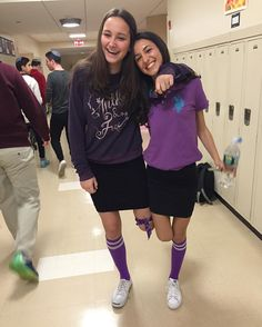 When you forget your other sock at home but your friends got yo back #nsshiriyah16 #sophshiriyah16 #nshahs
