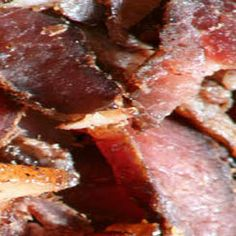 Make your own biltong with this recipe! Ingredients sirloin/rump steak salt 1 cup of brown sugar 1 cup coriander coriander seeds, cracked 2 tablespoons bicarbonate of soda 1 … Jerky Recipes, Meat Recipes, Snack Recipes, Cooking Recipes, Snacks, Savoury Recipes, Recipies, Sirloin Roast, Rump Steak