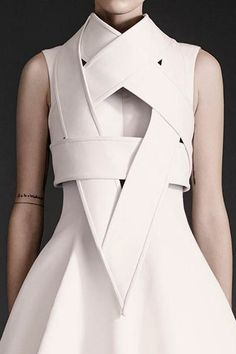Sculptural Fashion - white armour dress; futuristic fashion // Gareth Pugh Spring 2015