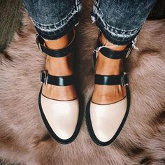 Next Post Previous Post Closed toe nude sandals Geschlossene Zehensandalen Cute Shoes, Me Too Shoes, Trendy Shoes, Casual Shoes, Awesome Shoes, Work Casual, Casual Fall, Nude Sandals, Flat Sandals