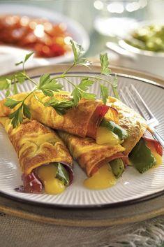 Pasta Pollo, Deli Food, Mexican Food Recipes, Ethnic Recipes, Love Eat, Empanadas, Crepes, Tapas, Catering