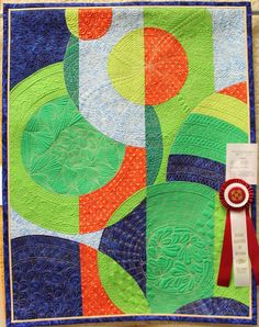 Enso by Rickie Seifreid, Quilted by Linda Natale 2nd Place Mixed Technique, Professionally Quilted