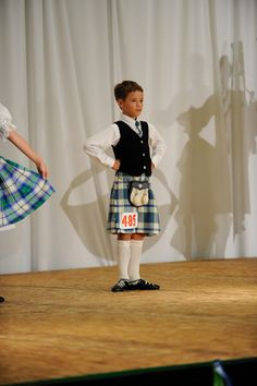 Male dancer in kilt #ireland #blue #tartan