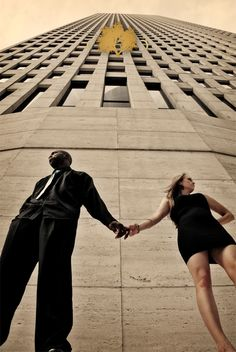 Low angle photo ideas in 2019 perspectiva, fotografia, poses. Illusion Photography, Alone Photography, Photography Ideas, Travel Photography, Low Angle, Wide Angle, Europe On A Budget, Interracial Love, Art Model