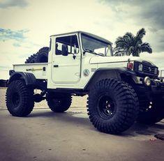 Toyota 4x4, Toyota Trucks, Toyota Cars, Toyota Hilux, 4x4 Trucks, Truck Camping, Jeep Truck, Coolest Cars, Toy Toy