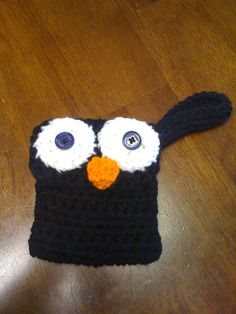 Black and White Penguin Mobile Phone Case..  Selling for $8.00 Plus Shipping and Handling.. Can also be seen on Facebook and Etsy..