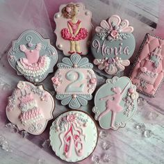 Ballerina Birthday Cookie Set by Maybe a Cookie at cookie connection - really great decorated cookies on this website - so much inspiration! Cookies For Kids, Fancy Cookies, Cute Cookies, Cupcake Cookies, Sugar Cookies, Cupcakes, Cookie Frosting, Royal Icing Cookies, Ballerina Cookies
