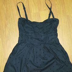 American Eagle Fit and flare Sundress 6 Navy blue,  adjustable spaghetti straps,  fit and flare. No flaws, good condition.size 6, fits more like a 4 American Eagle Outfitters Dresses Mini