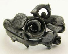 Thorned Rose Wedding Set, Black Silver