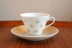 ARABIA Arabia MONICA beige cup and saucer / Esteri Tomula Esteli,