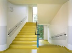 The perfect stairs. So clean ! Healthcare Architecture, Architecture Details, Interior Architecture, Interior Stairs, Interior And Exterior, Interior Design, Staircase Railings, Stairways, Stair Detail