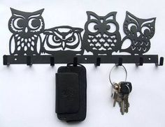 Owl Hooks  ///  This is really cute for an owl collector.   I would definitely us this on which to hang keys.