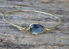 Gold Bangle Bracelet / marineblauw armband / door Greenperidot