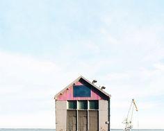 Sejkko e la magia delle sue Lonely Houses in un profilo instagram che vale davvero la pena di seguire. La poesia e la ricerca esistono, anche sui social