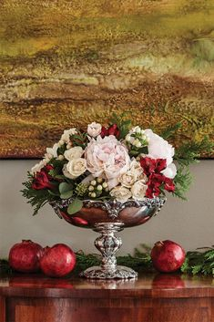 Excellent Xmas decorations tips are offered on our site. Christmas Flower Arrangements, Christmas Flowers, Floral Arrangements, Christmas Holidays, Christmas Wreaths, Southern Christmas, Advent Wreaths, Primitive Christmas, Retro Christmas