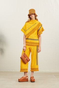 3.1 Phillip Lim Resort 2019 Fashion Show Collection: See the complete 3.1 Phillip Lim Resort 2019 collection. Look 29