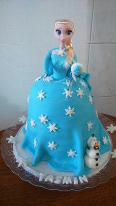 Bolo Boneca Frozen de Pasta americana