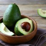 there are plenty of avocado benefits. Here are the health benefits of avocado you never knew. Korean Skincare, Avocado Hair Mask, Avocado Health Benefits, Pork Ribs, Good Fats, Natural Skin Care, Healthy, Recipes, Beauty Tips