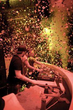 Asi quiero estar viendo a Swedish House Mafia el 8 de febrero en Guadalajara.
