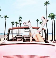 1 Image shared by TKV. Find images and videos about pink, summer and vintage on We Heart It - the app to get lost in what you love. Beach Aesthetic, Summer Aesthetic, Aesthetic Vintage, City Aesthetic, Pink Beach, Pink Summer, Beach Fun, Pink Photography, Vintage Photography