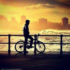 Mirando al mar #gijon #asturias - @Victor Suárez- #webstagram