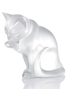 Lalique Cleaning Cat