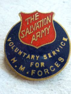 VINTAGE HOME FRONT BADGE THE SALVATION ARMY VOLUNTARY SERVICE FOR H.M. FORCES