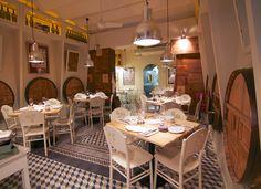 Carlota Restaurant, en calle París. Es nuevo. Tiene buena pinta y parece ideal para ir en pareja.