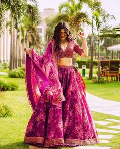 We're Heart-eyes for this Bride who Bloomed in a Raspberry Red Floral Lehenga – Wedding Decor Indian Lehenga, Sabyasachi Lehenga Bridal, Floral Lehenga, Red Lehenga, Anarkali, Bollywood Saree, Bollywood Fashion, Mehendi Outfits, Indian Bridal Outfits
