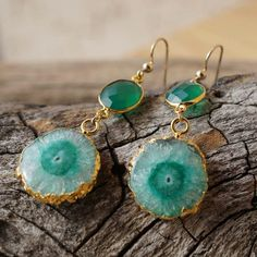 One-of-a-Kind Solar Quartz Stalactite Earrings with Green Onyx. Shop Link in Profile   #quartz #ooakjewelry #oneofakind #jewelry #cystals #gemstones #healingjewelry #chakra #crystallover #handmade #etsy #handmadejewelry #reiki #healing #chakrajewelry #chakra #stalactitejewelry #stalactites #oneofakindjewelry #greenonyx #onyx #solarquartz #earrings #darbyshops #etsyjewelry #jewelryonetsy #solarquartzearrings #solarquartzjewelry #bridaljewelry #gemstones #gemstonejewelry