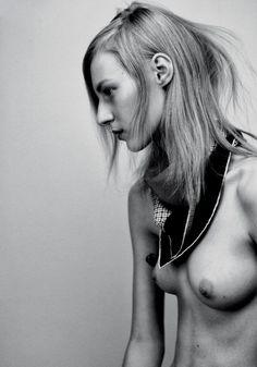 Julia Frauche  nackt