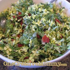 Did you know that broccoli flowers are edible? Try this yummy broccoli flower salad. Yum!
