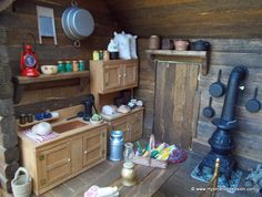 Dollhouse Miniatures For Online Log Cabin Pioneer Miniature Rooms, Miniature Kitchen, Miniature Houses, Miniature Furniture, Doll Furniture, Dollhouse Furniture, Dollhouse Interiors, Cabin Dollhouse, Dollhouse Miniatures